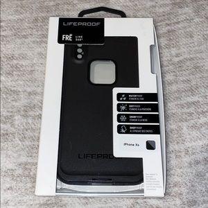 NWOT Lifeproof Fre Live 360 iPhone XS case